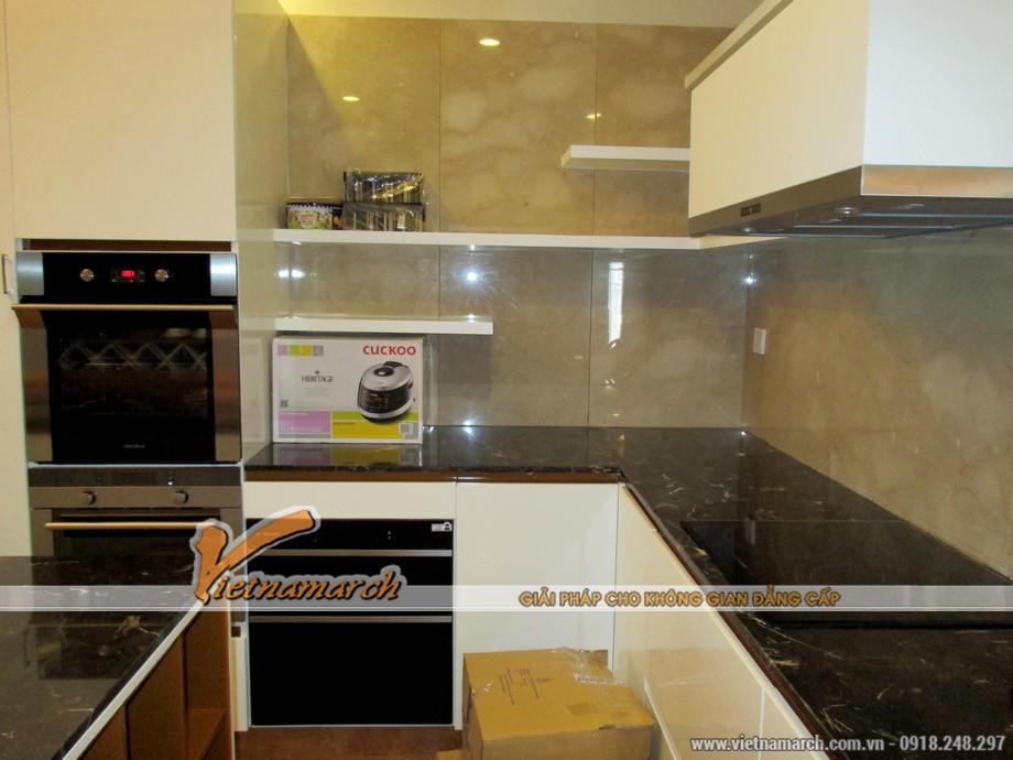 Khu vực nấu ăn được ôp đá granite cao cấp