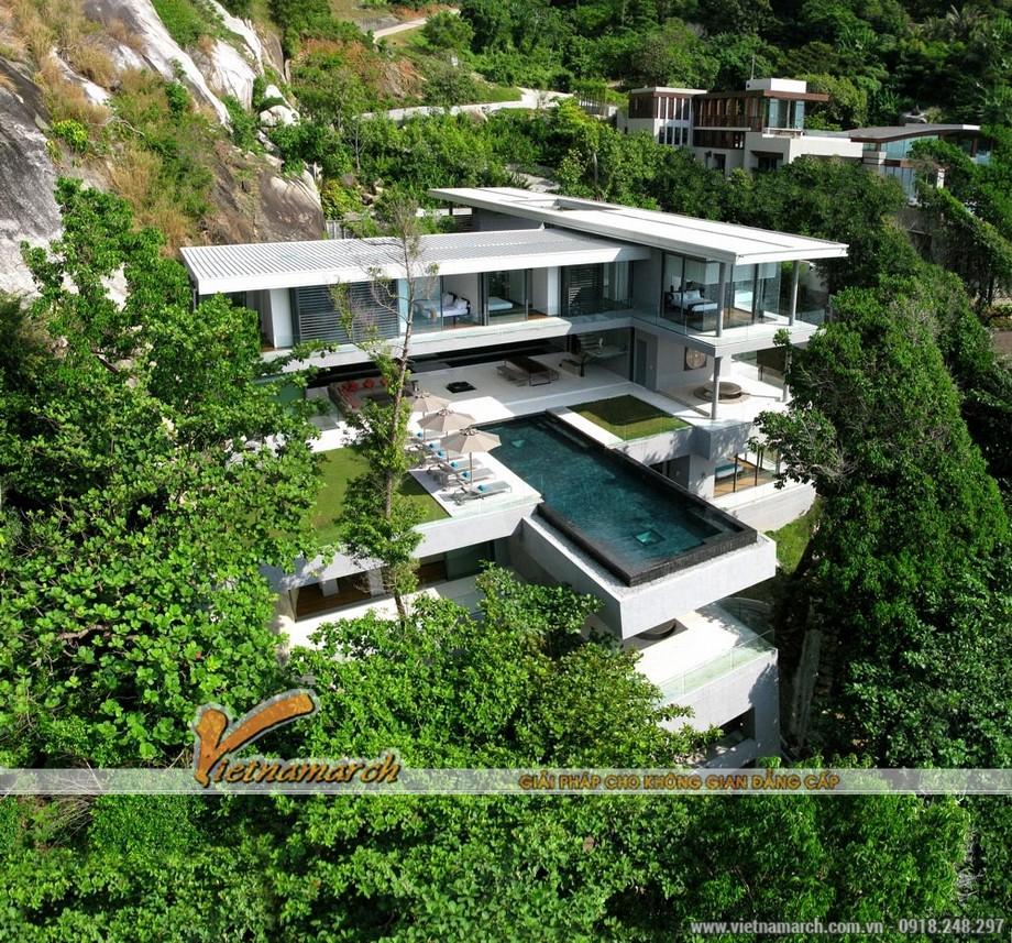 Ngất ngây với vẻ đẹp của ngôi biệt thự được xây dựng sát vách núi 01