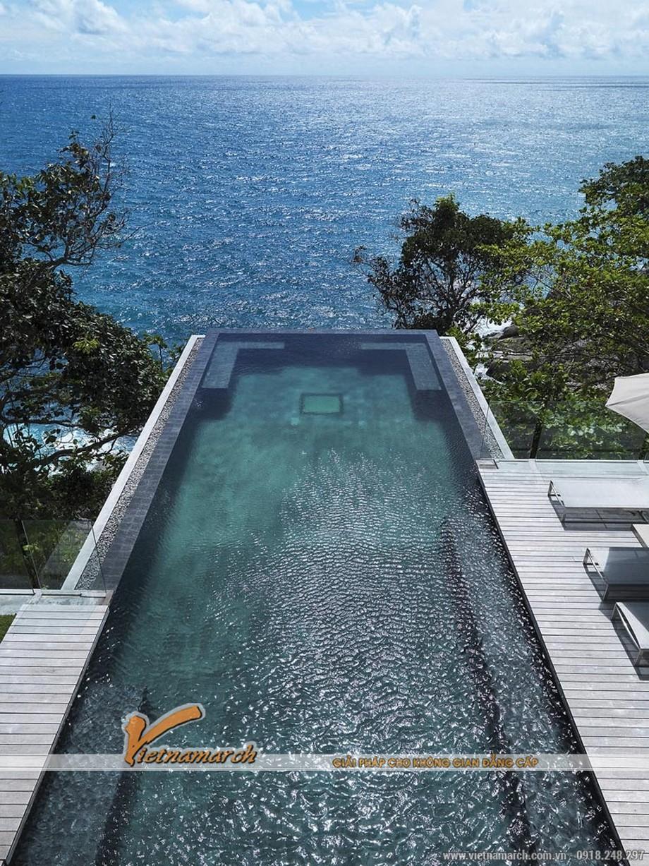 Bể bơi trên tầng thượng có view hướng ra biển đây là kiến trúc tuyệt đẹp