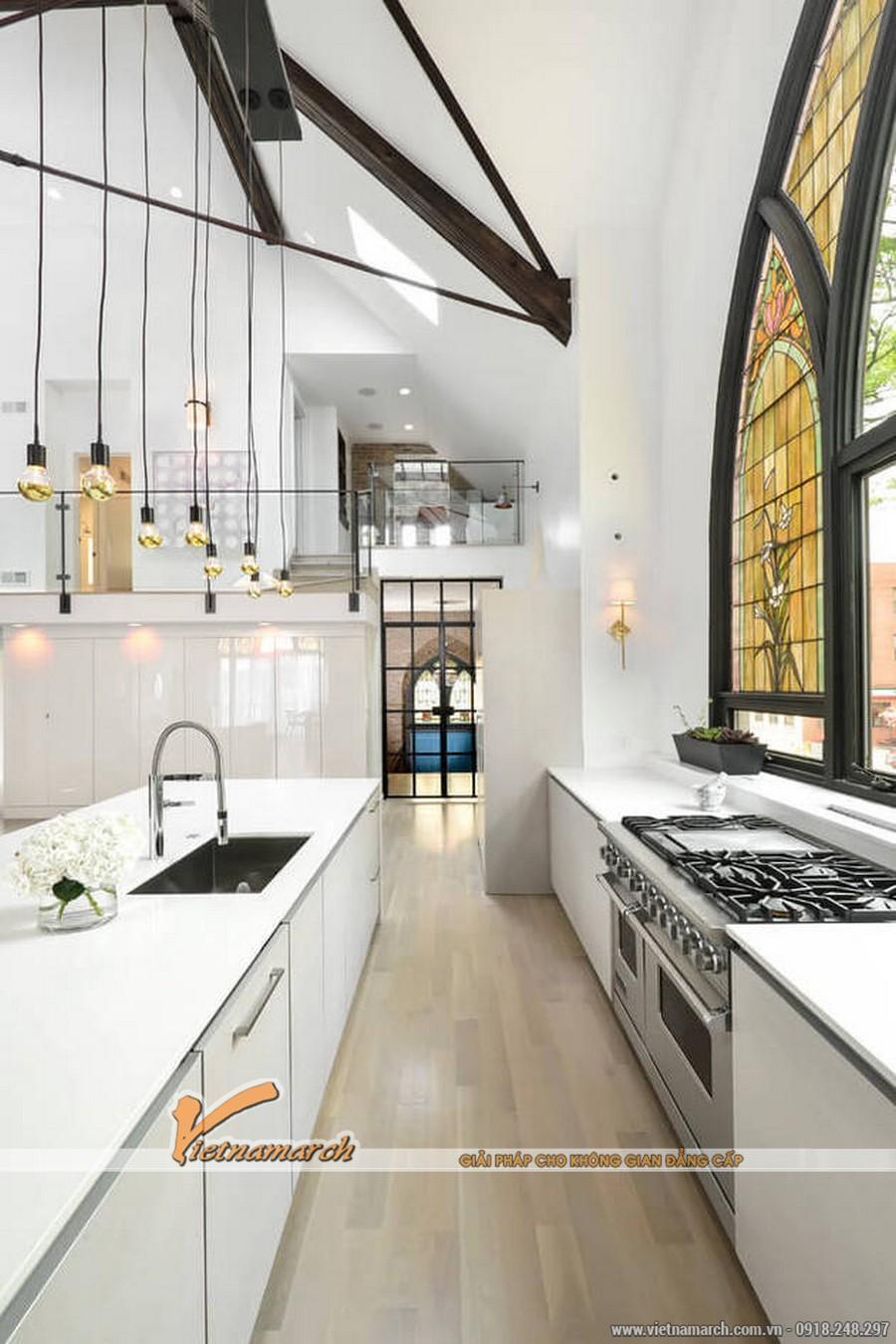 Khu vực nấu ăn và bục rửa thiết kế hiện đại