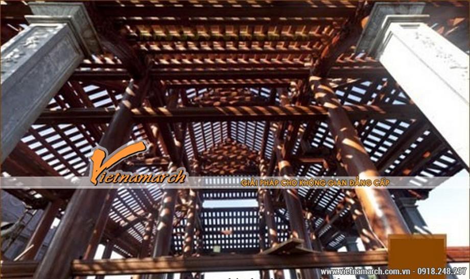 Phần vì kèo, khung gỗ của nhà thờ họ Đinh 2 tầng mái
