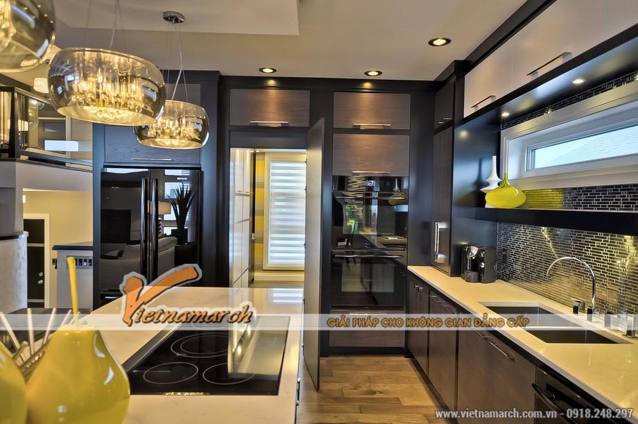 Phòng bếp với nội thất hiện đại, thiết kế tinh tế