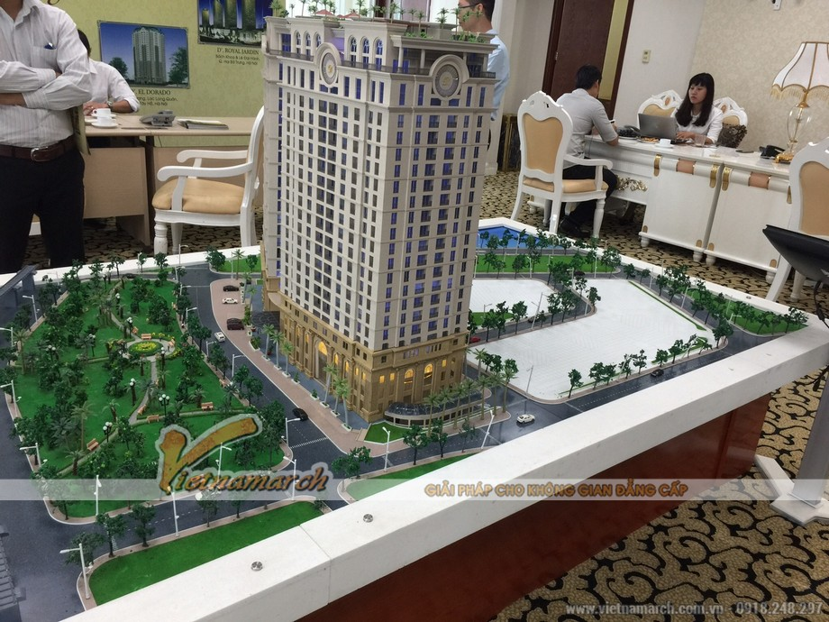 Buổi tư vấn cho khách hàng mua căn hộ cao cấp tại chung cư D'. Le Pont D'or - Hoàng Cầu 03
