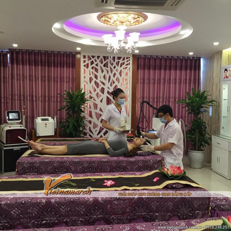 Phòng massage được thiết kế kết hợp của nội thất tân cổ và hiện đại