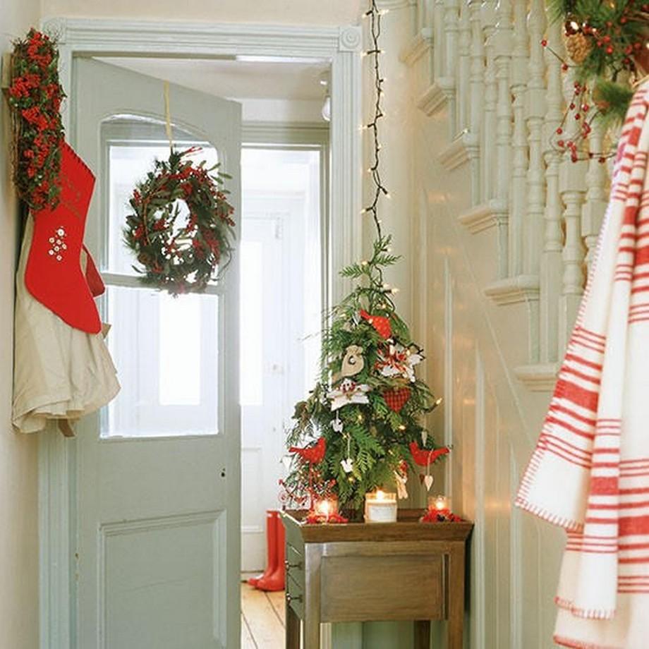 Hay trên những chiếc cửa ra vào cũng làm ấm áp căn nhà của bạn
