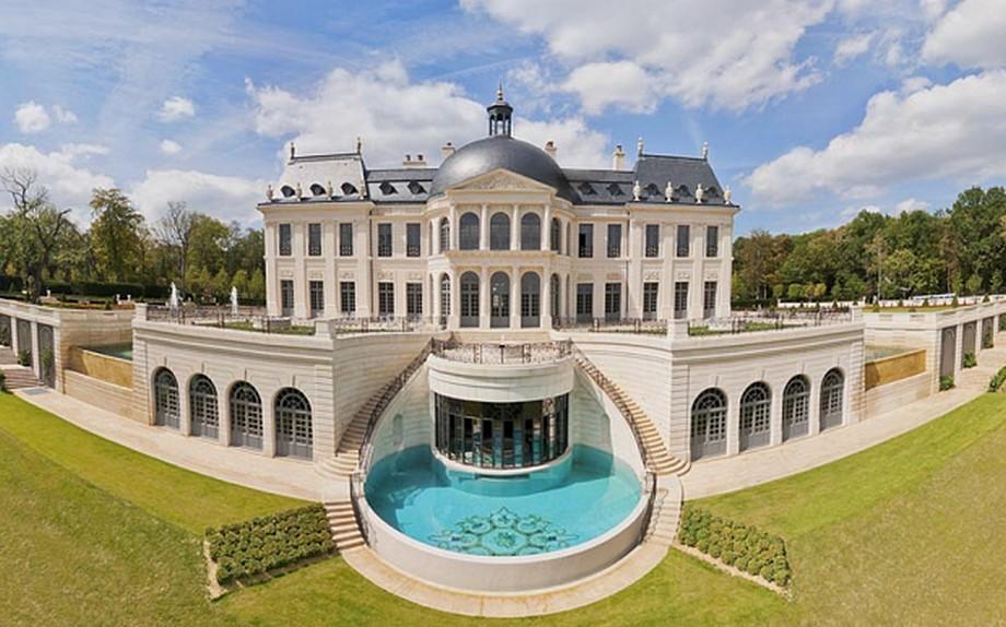 Kiến trúc choáng ngợp của lâu đài Chateau Louis XIV
