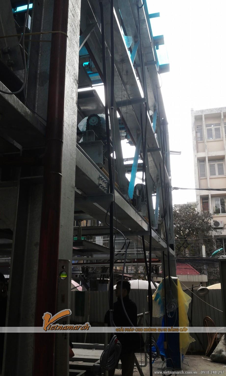 Giàn thép đỗ xe Nguyễn Công Hoan đang trong khâu hoàn thiện cuối cùng trước khi đưa vào sử dụng
