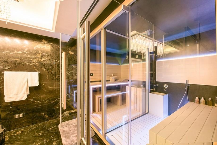 Phòng tắm với thiết kế nội thất cao cấp hiện đại - trong căn hộ penthouse