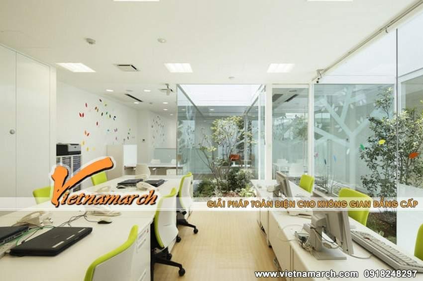 Ngay tại chỗ làm việc của nhân viên cũng được bổ sung thêm nhiều cây xanh