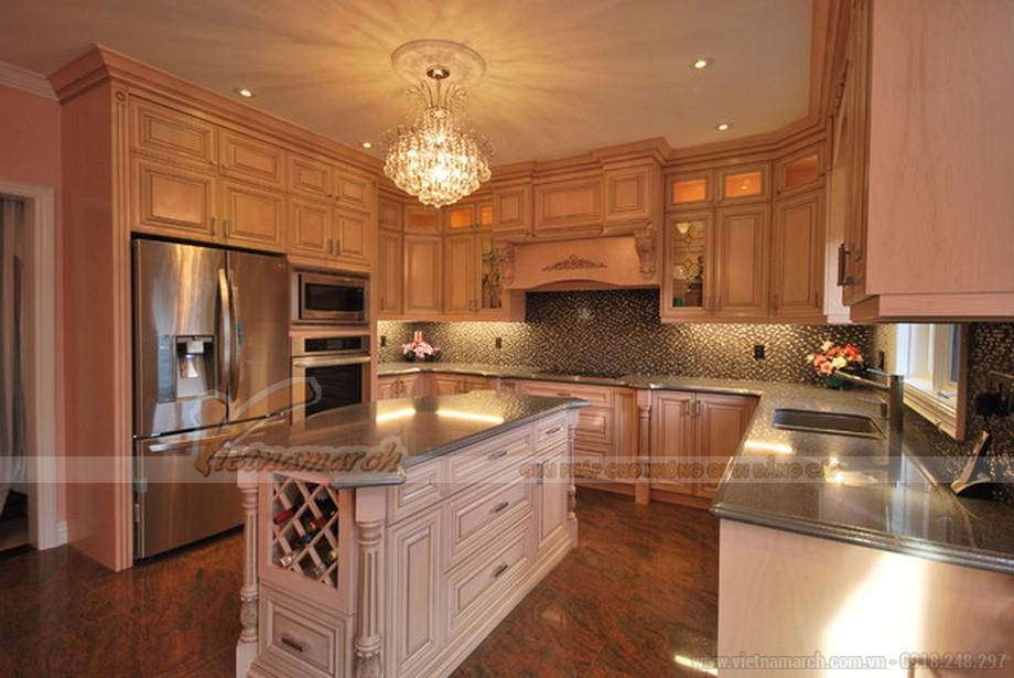 Khu vực bếp nấu tiện nghi với tủ bếp cao cấp thiết kế theo phong cách tân cổ điển