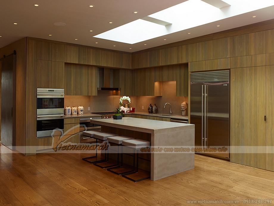 Hệ tủ bếp gỗ cao cấp trong không gian nhà bếp