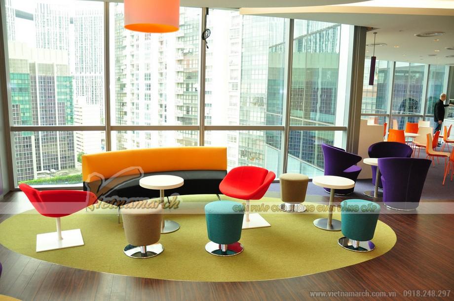 Có màu sắc kết hợp hài hòa giúp văn phòng có nhiều năng lượng và cảm hứng