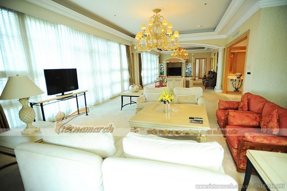 Thiết kế nội thất sang trọng trong phòng khách thứ nhất