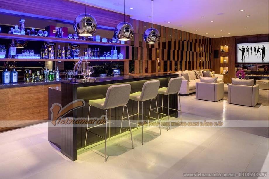 Có cả một thiết kế quầy bar trong phòng ăn