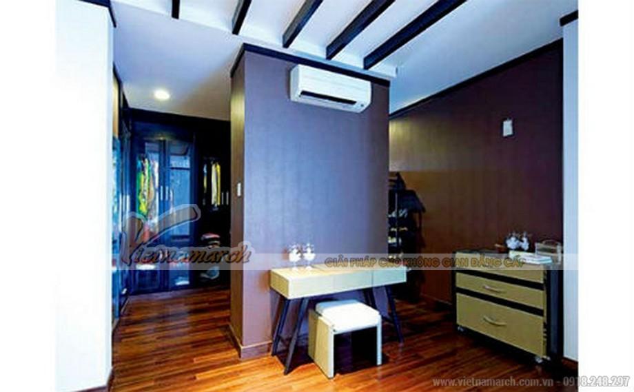 Nội thất trong phòng thay áo quần được thiết kế nhẹ nhàng nhưng độc đáo