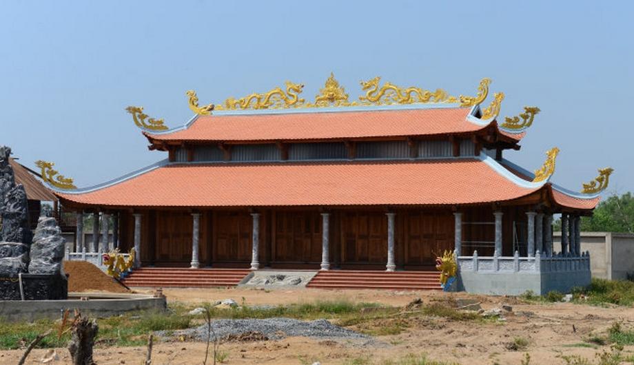 can-canh-nha-tho-to-hang-tram-ty-cua-danh-hai-Hoai-Linh01