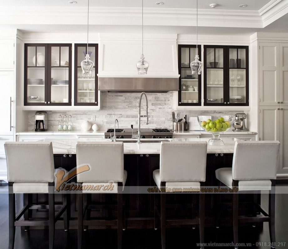 Thiết kế nội thất phòng bếp này có hài hòa về màu sắc giữa nội thất với trần, tường