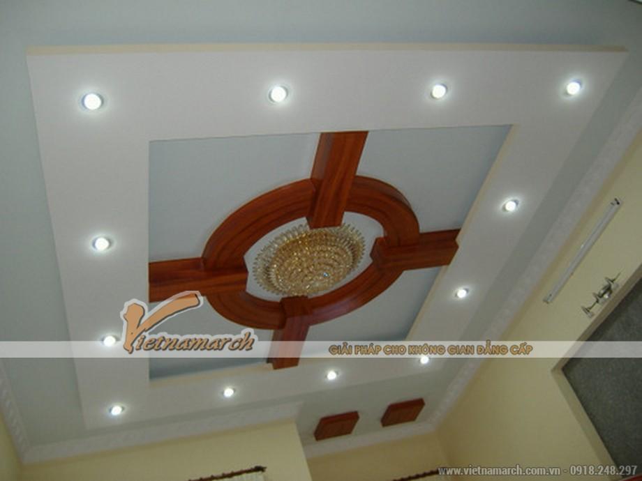 Hệ trần thạch cao của một nhà chung cư lắp đặt đèn led âm trần