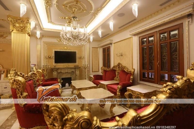 Trần thạch cao phòng khách mang phong cách cổ điển 02