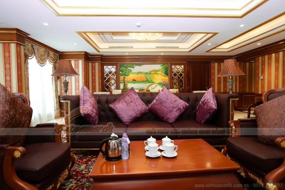 Chiêm ngưỡng mẫu trần thạch cao cổ điển cho phòng khách trong căn hộ Times City – Park Hill-05