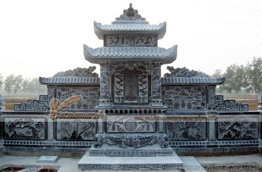 Hình ảnh lăng mộ bằng đá được trạm trổ nhiều hoa văn