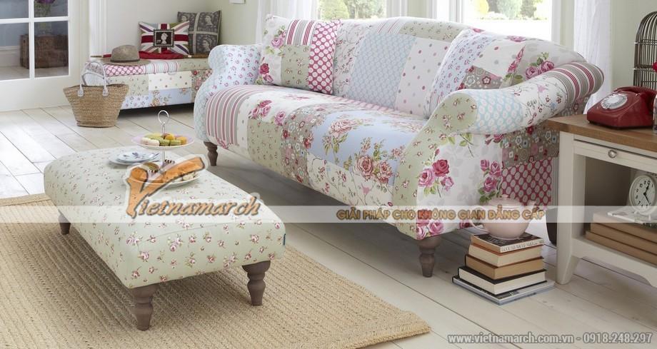 Mẫu sofa văng vải nhập khẩu họa tiết hoa lá nhẹ nhàng, nữ tính