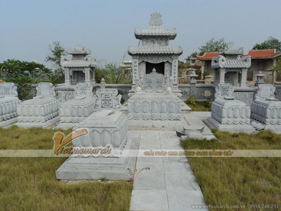 Lăng mộ đá gắn liền với lịch sử cha ông ta để lại