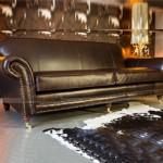 Mẫu ghế sofa da văng thiết kế cổ điển, chân xoay linh động – Mã: SDC-054