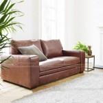 Không gian phòng khách lung linh với mẫu ghế sofa bọc da cao cấp
