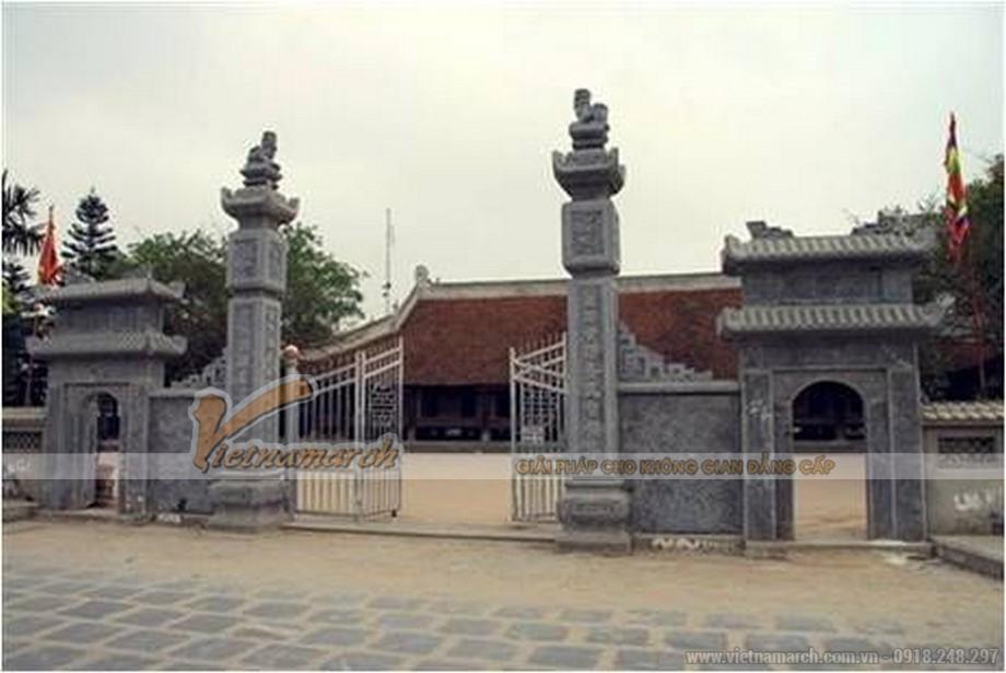 cổng tam quan - kiểu thiết kế quen thuộc trong kiến trúc truyền thống.