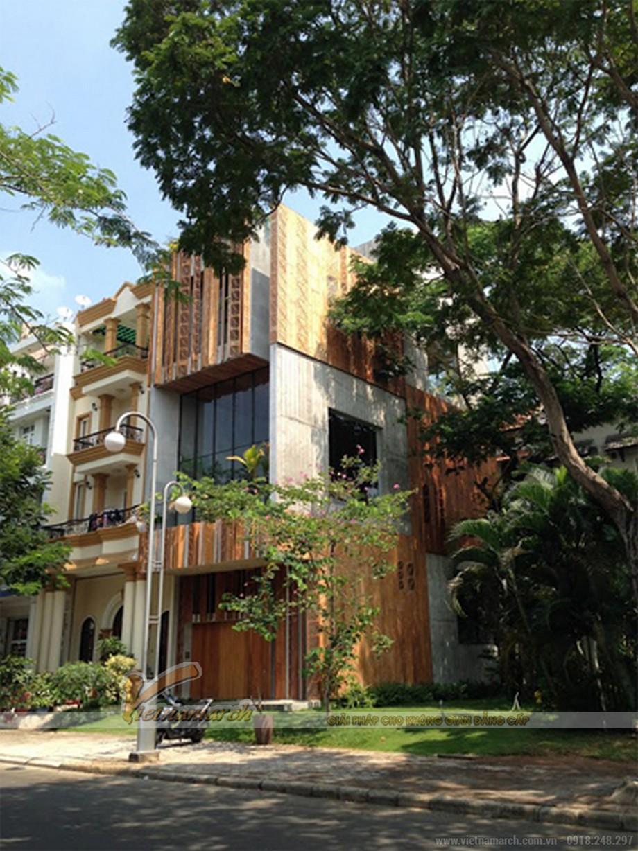 Ngôi nhà ống phá cách tràn đầy nắng gió ở Sài Gòn