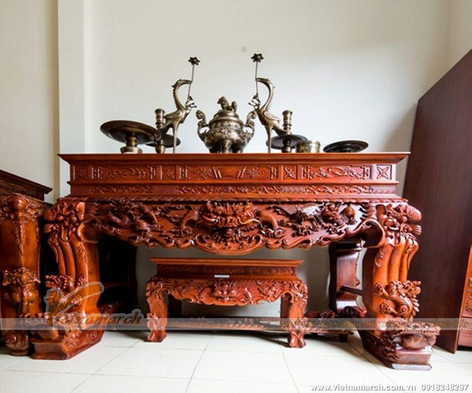 Mẫu bàn thờ điển hình - Với đường nét trạm khắc cầu kỳ, kiểu dáng vứng chắc, khỏe khoắn