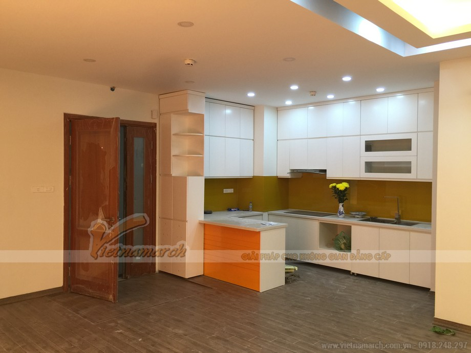 Phòng bếp hiện đại với tủ bếp cao cấp