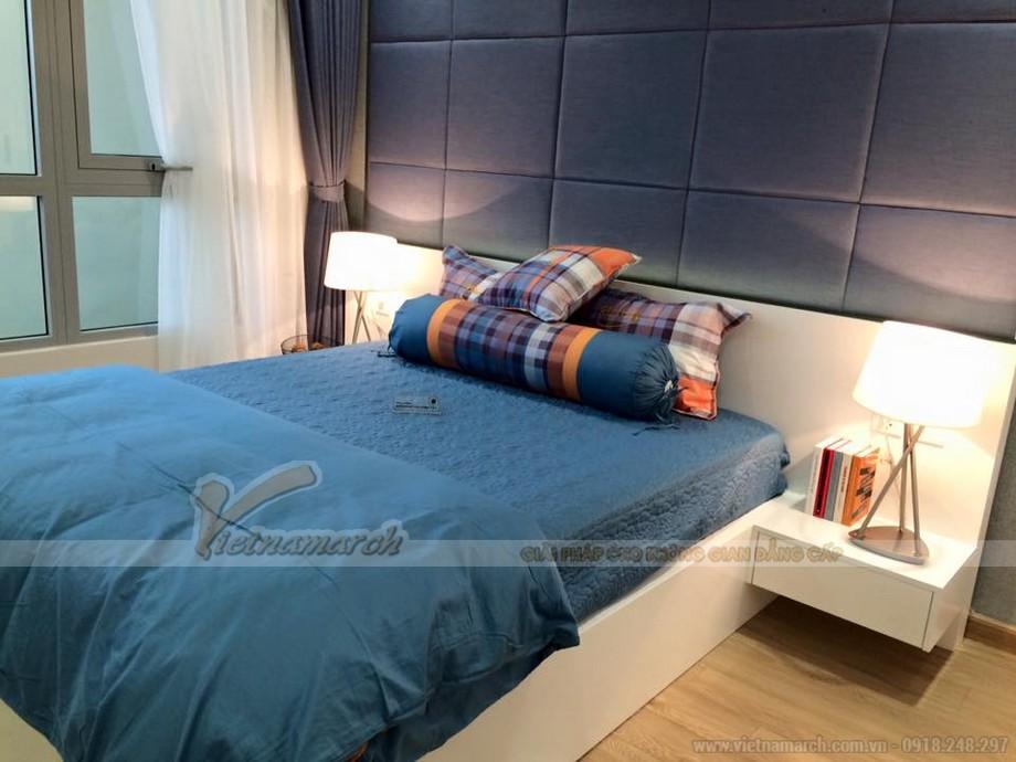 Phòng ngủ cũng được thiết kế hiện đại với tông màu xanh, trắng chủ đạo.
