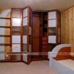 Những mẫu tủ quần áo bằng gỗ tự nhiên cho không gian phòng ngủ sang trọng hơn