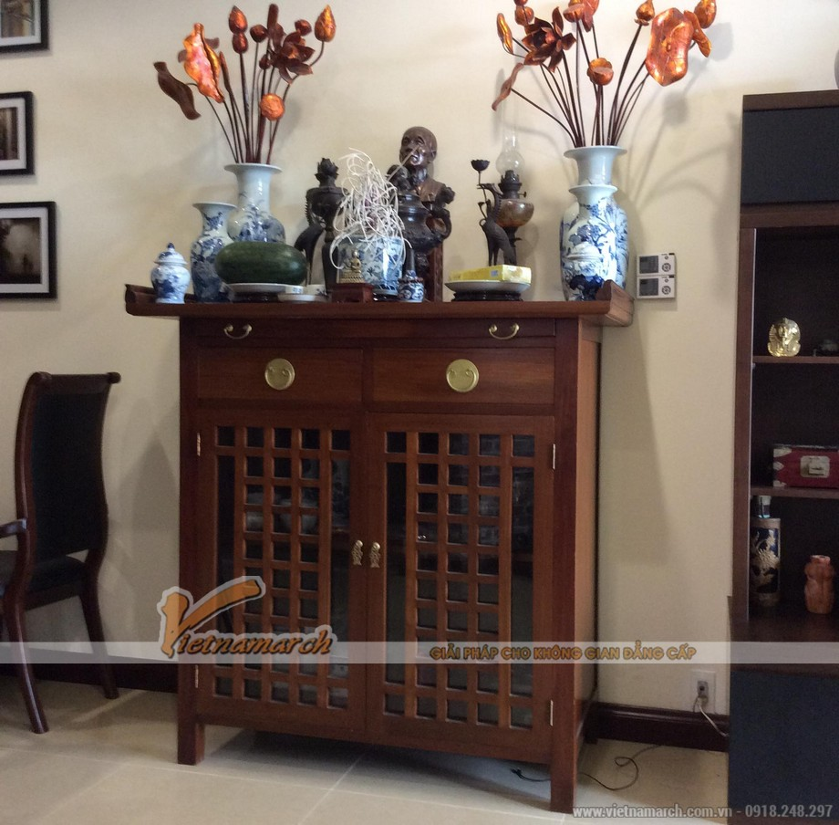 Mẫu tủ thờ mang nét thiết kế hiên đại pha lẫn nét truyền thống