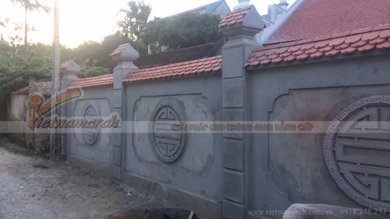 Tường bao quanh nhà thờ họ
