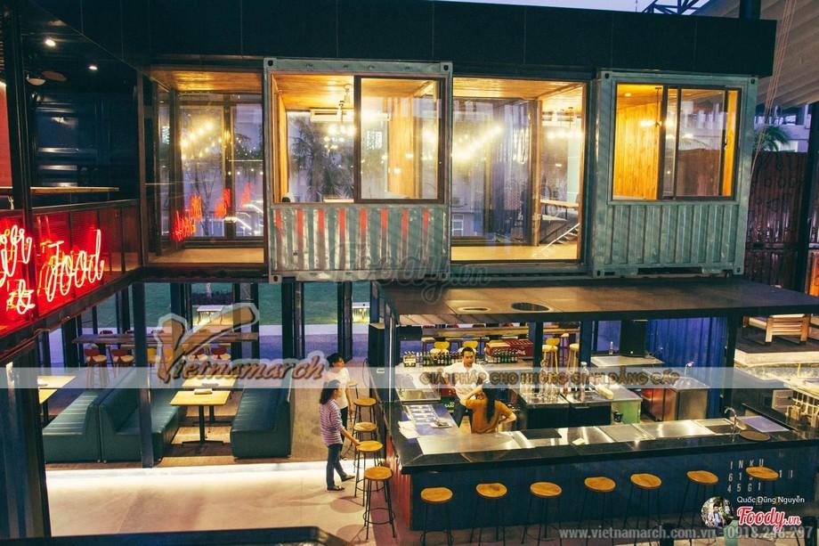 Một nhà hàng kinh doanh lĩnh vực ăn uống được thiết kế từ container