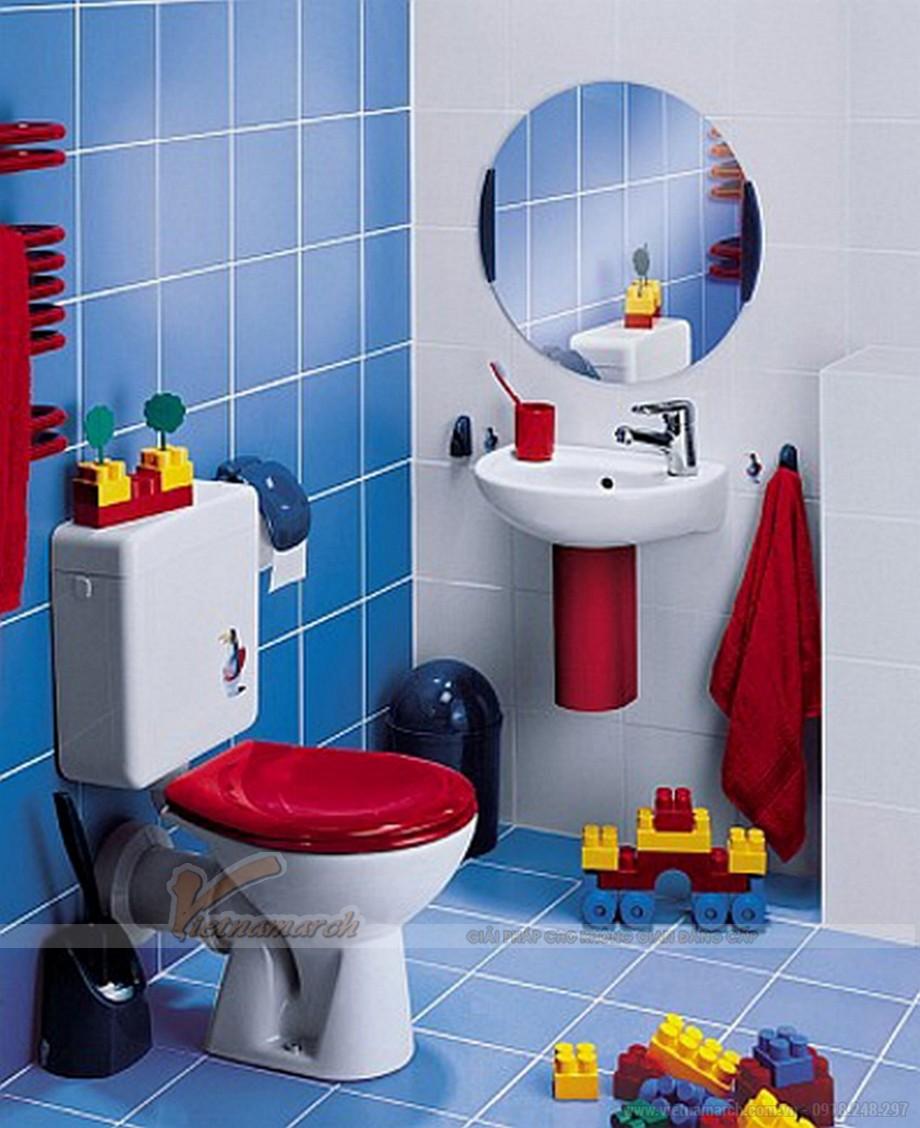 Trang trí ngộ nghĩnh cùng đồ chơi trong phòng tắm