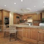 Những ưu điểm vượt trội của tủ bếp gỗ tự nhiên và những lưu ý khi lựa chọn.