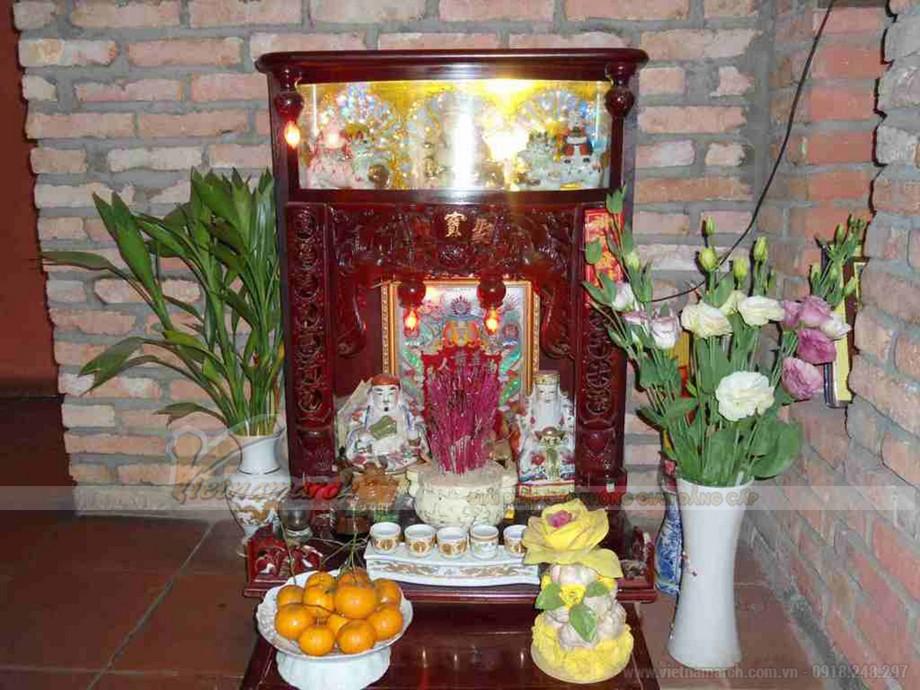 Vị trí đặt bàn thờ thần tài trong quán