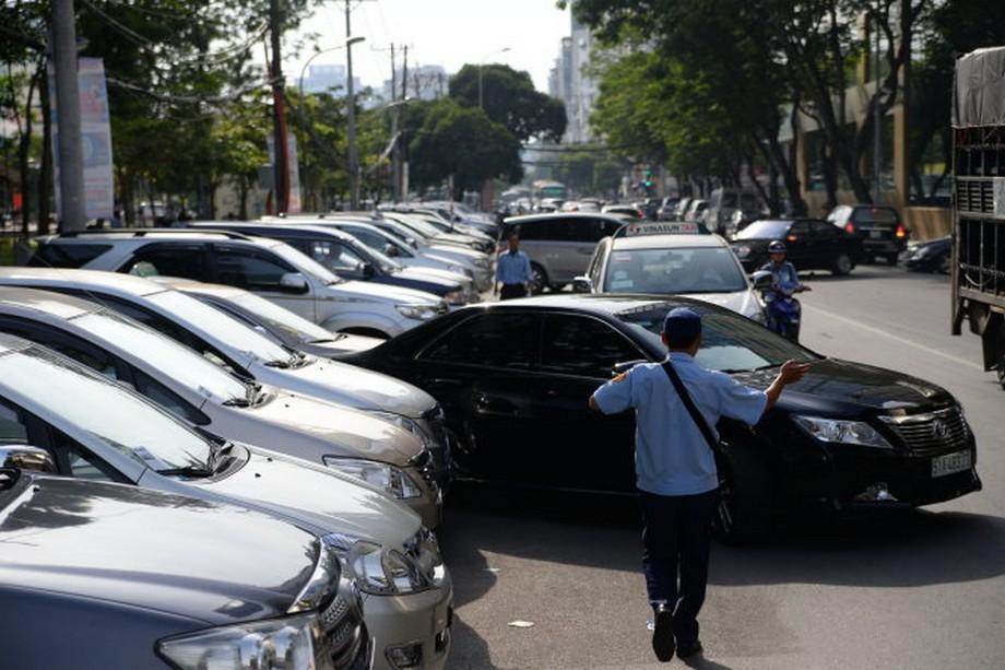 Hiện trạng thiếu bãi đỗ xe tại thành phố Hồ Chí Minh