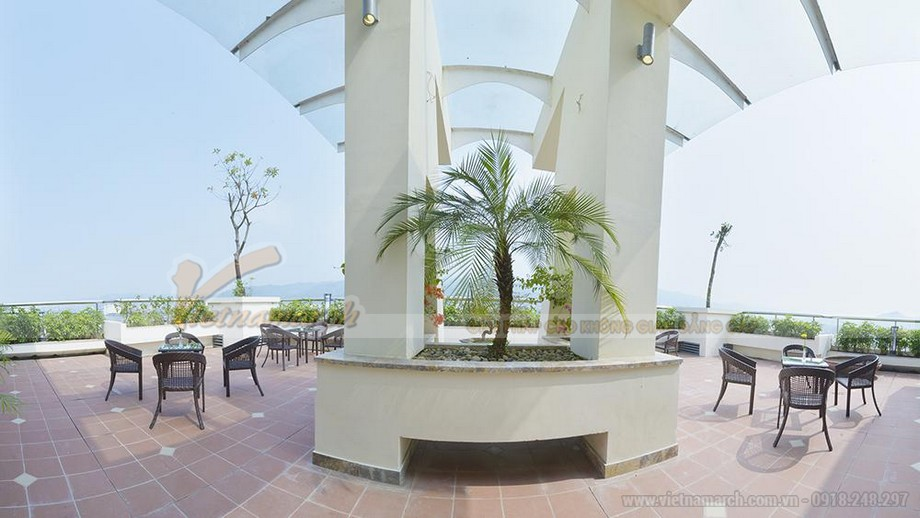 Quán cafe trên sân thượng, không gian ngoài trời hoàn hảo với view cực đẹp