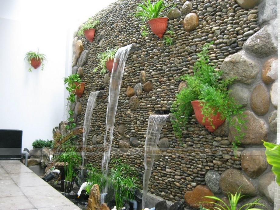 Cây cối, nước, thêm sỏi đá cho sân vườn quán cà phê ấn tượng