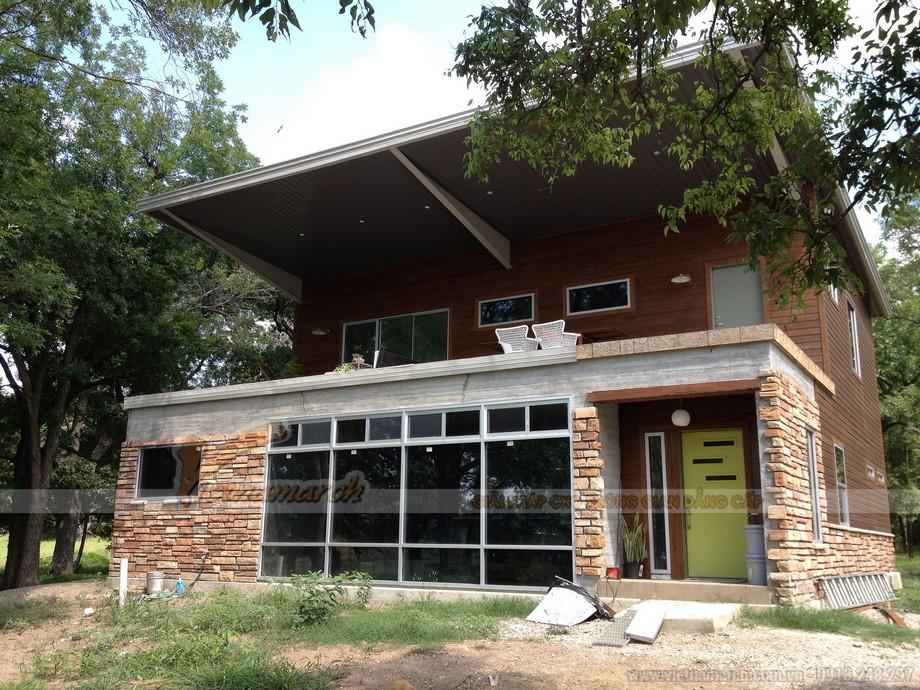 Ngôi nhà này kết hợp cả vật liệu xây dựng truyền thống và những thùng container.