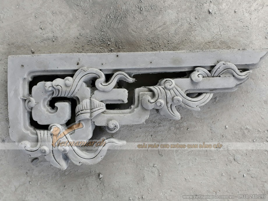 Chi tiết hoă văn xi măng trang trí trên mái nhà thờ họ