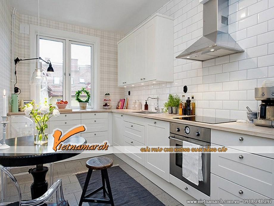Thiết kể cửa sổ trong bếp sẽ thường kết hợp với một số cây xanh để bàn