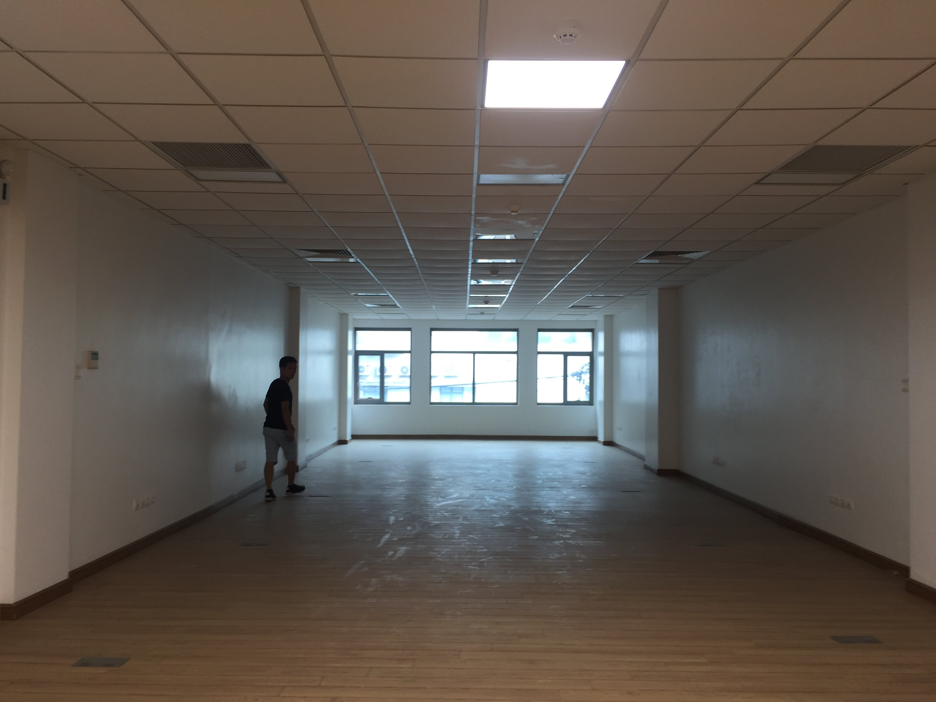 Thiết kế nội thất showroom 58A Ngô Thì Nhậm đẹp