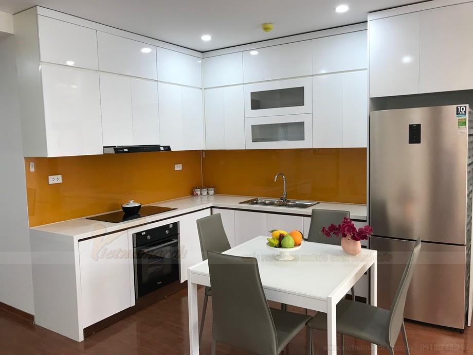 Tủ bếp chữ L hiện đại và đầy đủ tiện nghi cho phòng bếp