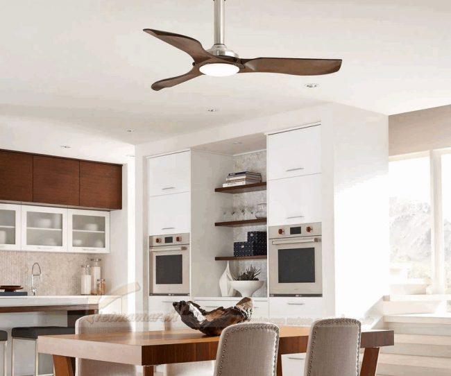 Quạt trần đèn cánh gỗ mang phong cách Châu Âu làm tăng thêm sự sang trọng cho căn hộ của bạn
